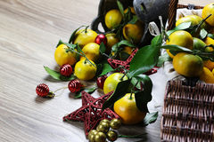 Cesta de Año Nuevo de los mandarines Imagen de archivo