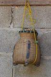 Cesta de bambú y los pescados de Thailand.part rural 1 Foto de archivo libre de regalías