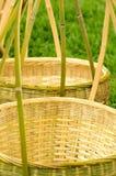 Cesta de bambu feita pelo workmanship tradicional Fotos de Stock Royalty Free
