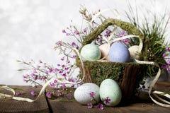 Cesta de Easter com ovos foto de stock royalty free