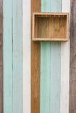 Cesta de fruto em um assoalho de madeira Fotografia de Stock