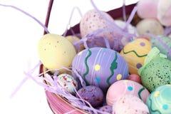 Cesta de huevo de Pascua Imagen de archivo