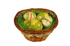 Cesta de huevos de Pascua Imagenes de archivo