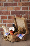 Cesta de la comida campestre imagen de archivo libre de regalías
