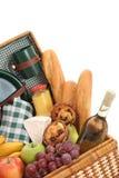 Cesta de la comida campestre Fotos de archivo libres de regalías