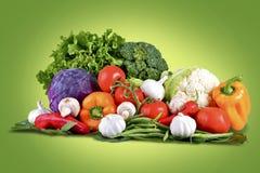 Cesta de las verduras frescas Fotos de archivo