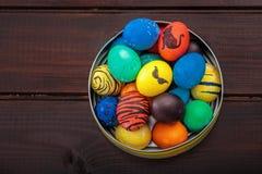 Cesta de los huevos de Pascua Imagen de archivo libre de regalías