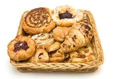Cesta de los pasteles Imagen de archivo libre de regalías