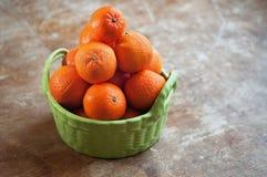 Cesta de mandarines Imagen de archivo libre de regalías