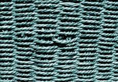 Cesta de mimbre en color ciánico fotografía de archivo
