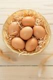 Cesta de ovos de Brown Imagem de Stock Royalty Free