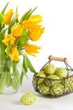 Cesta de ovos de Easter Imagem de Stock