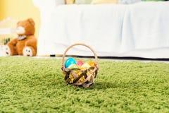 Cesta de ovos de Easter Foto de Stock