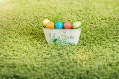 Cesta de ovos de Easter Imagem de Stock Royalty Free
