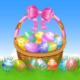 Cesta de Pascua y huevos de Pascua coloridos en la hierba verde para Pascua stock de ilustración