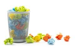 Cesta de wastepaper do escritório Fotos de Stock