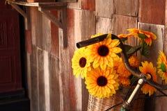 Cesta del girasol Imagen de archivo libre de regalías