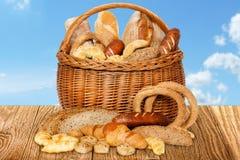Cesta del pan Foto de archivo libre de regalías