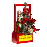Cesta del regalo de la Navidad en el fondo blanco fotos de archivo libres de regalías