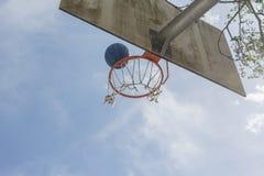 Cesta do basquetebol Fotos de Stock