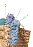 Cesta do knitter do transbordamento Imagem de Stock