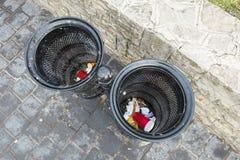 Cesta do lixo Imagem de Stock
