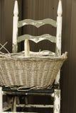 Cesta y silla foto de archivo libre de regalías