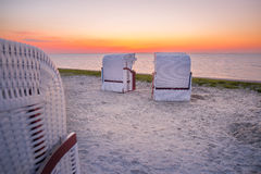 Cestas de la playa en la playa de Harlesiel Imagen de archivo