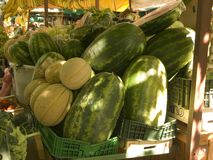 Cestas do fruto no mercado em Omis, Croácia Imagem de Stock Royalty Free
