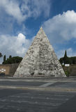 The Cestia Pyramid in Rome, Italy Stock Photography