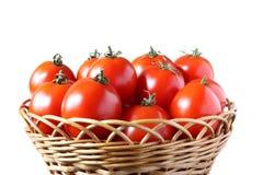 Cestino con i pomodori fotografia stock libera da diritti