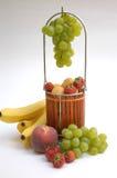 Cestino con la frutta III Fotografia Stock Libera da Diritti