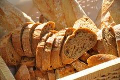 Cestino del pane con i baguettes Fotografia Stock Libera da Diritti