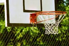 Cestino di pallacanestro Immagine Stock