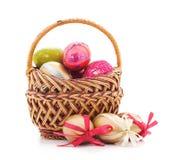 Cestino di Pasqua con le uova Fotografie Stock Libere da Diritti