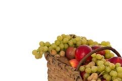Cestino in pieno della frutta Immagine Stock Libera da Diritti
