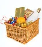 Cesto de la Navidad Imagen de archivo libre de regalías