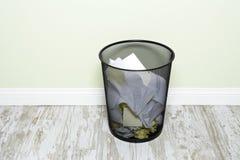 Cesto de papel Imagem de Stock