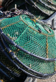 Cestos e rede verdes da pesca imagem de stock royalty free