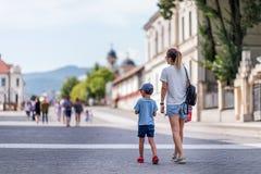 In Cetatea Alba Carolina - Reizigers Cori & het EDI door de wereld stock foto