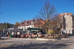 Cetinje Montenegor, November 13, 2018, den huvudsakliga fyrkanten i stad royaltyfria foton