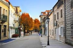 Cetinje Straße lizenzfreies stockbild