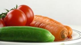 Cetriolo del pomodoro e verdura della carota stock footage