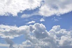 Ceu Enublado_Cloudy niebo Zdjęcia Royalty Free