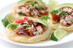 Tostadas de ceviche, alimento messicano immagine stock