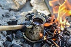 cezve κρύο γυαλί espresso καφέ όπως το εξυπηρετούμενο μικρό τουρκικό ύδωρ Στοκ φωτογραφίες με δικαίωμα ελεύθερης χρήσης