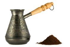 Cezve con la polvere del caffè Fotografia Stock