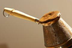 Cezve e caffè turco Immagini Stock