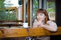 Chá bebendo da menina Imagens de Stock Royalty Free