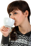 Chá bebendo da menina bonita fotografia de stock